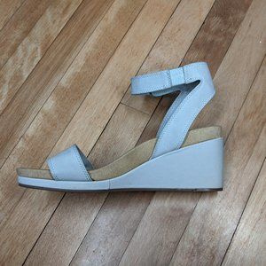 Lucky Brand Kanoa ankle strap wedge heel sandals